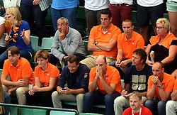 07-09-2013 VOLLEYBAL: EK VROUWEN DUITSLAND - NEDERLAND: HALLE<br /> Nederland verliest met 3-2 van Duitsland / Oranje support publiek met Michel Everaert, Bert Goedkoop en Martin Kersbergen<br /> &copy;2013-FotoHoogendoorn.nl