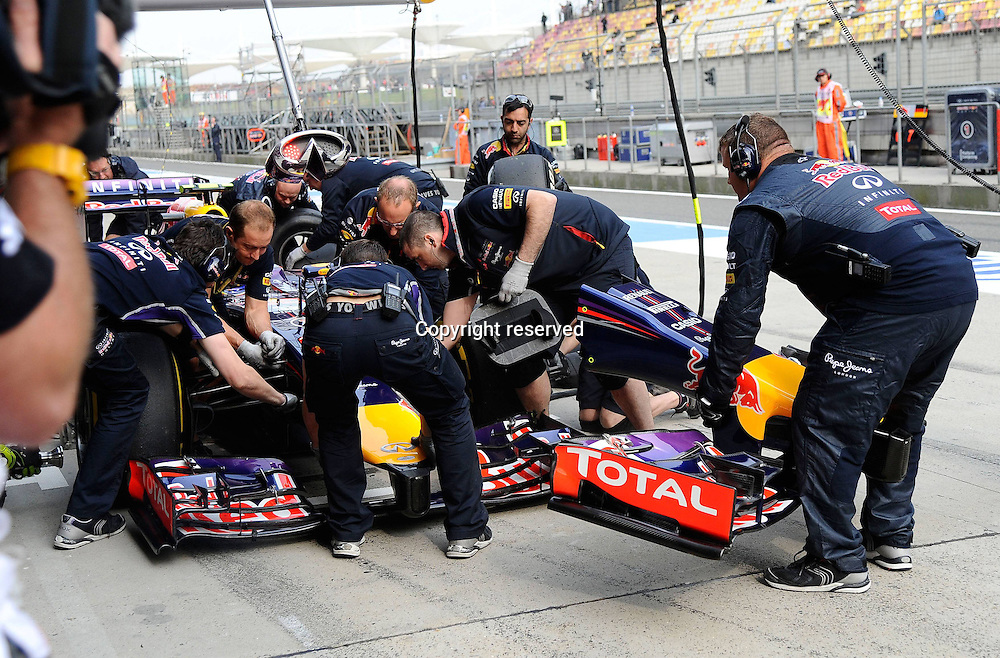 20.04.2014. SHanghai, China.  Motorsports: FIA Formula One World Championship 2014, Grand Prix of China. Daniel Riccardo, Red Bull Racing, formula 1 GP, in the pits for tyres
