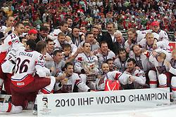 23.05.2010, Lanxess Arena, Koeln, GER, 74. IIHF WM, Finale, Russland ( RUS ) vs Tschechien ( CZE ) im Bild: IIHF World Champion ist Tschechien  EXPA Pictures © 2010, PhotoCredit: EXPA/ nph/   Florian Mueller / Sportida photo agency