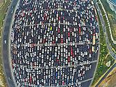 Travel Peak Appears On Beijing-Hong Kong-Macau Expressway