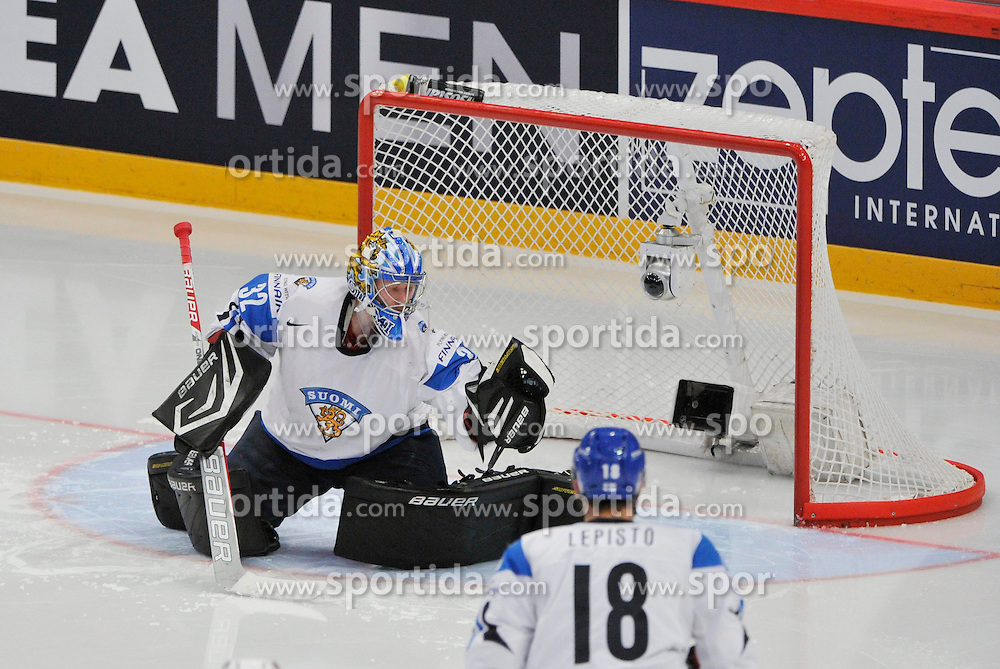 19.05.2013, Globe Arena, Stockholm, SWE, IIHF, Eishockey WM, Finnland vs USA, im Bild Finland 32 Goalkeeper Antti Raanta // during the IIHF Icehockey World Championship Game between Finland and USA at the Ericsson Globe, Stockholm, Sweden on 2013/05/19. EXPA Pictures © 2013, PhotoCredit: EXPA/ PicAgency Skycam/ Simone Syversson..***** ATTENTION - OUT OF SWE *****