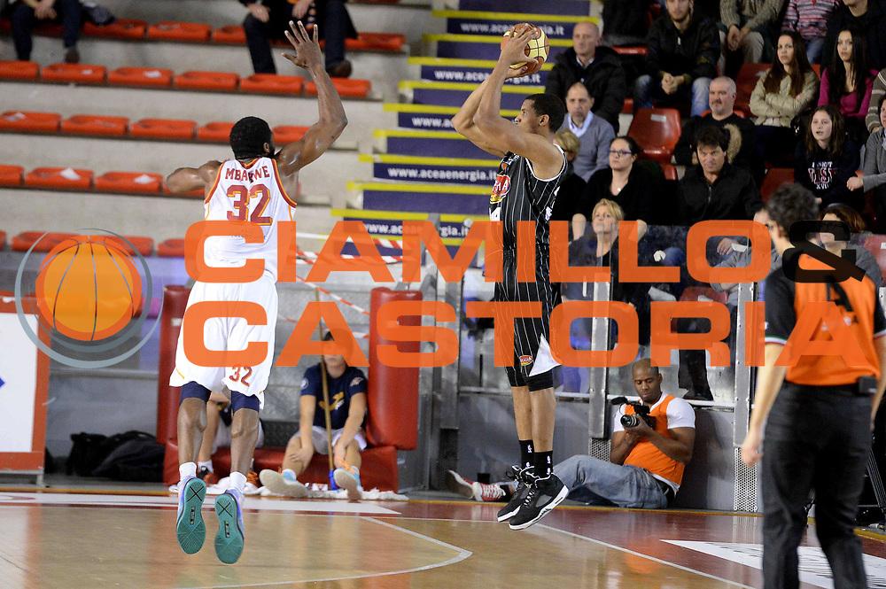 DESCRIZIONE : Roma Lega serie A 2013/14 Acea Virtus Roma Pasta Reggia Caserta<br /> GIOCATORE : Carleton Scott<br /> CATEGORIA : Tiro Three Points Controcampo<br /> SQUADRA : Pasta Reggia Caserta<br /> EVENTO : Campionato Lega Serie A 2013-2014<br /> GARA : Acea Virtus Roma Pasta Reggia Caserta<br /> DATA : 23/02/2014<br /> SPORT : Pallacanestro<br /> AUTORE : Agenzia Ciamillo-Castoria/GiulioCiamillo<br /> Galleria : Lega Seria A 2013-2014<br /> Fotonotizia : Roma Lega serie A 2013/14 Acea Virtus Roma Pasta Reggia Caserta<br /> Predefinita :