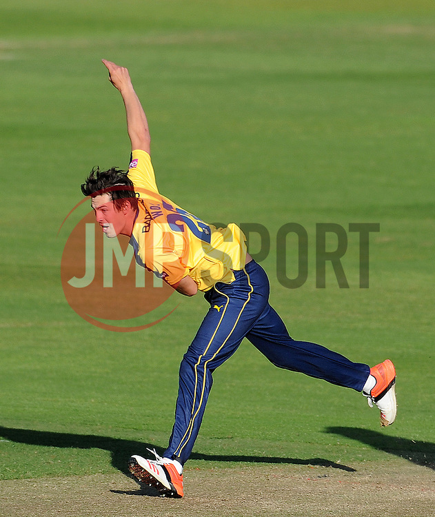 Hampshire's Chris Wood - Photo mandatory by-line: Harry Trump/JMP - Mobile: 07966 386802 - 05/06/15 - SPORT - CRICKET - Somerset v Hampshire - The County Ground, Taunton, England.