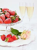 Motiv:Dessert Jordgubb<br /> Recept: Katarina Carlgren<br /> Fotograf: Thomas Carlgren<br /> Användningsrätt: Publ en gång<br /> Annan publicering kontakta fotografen