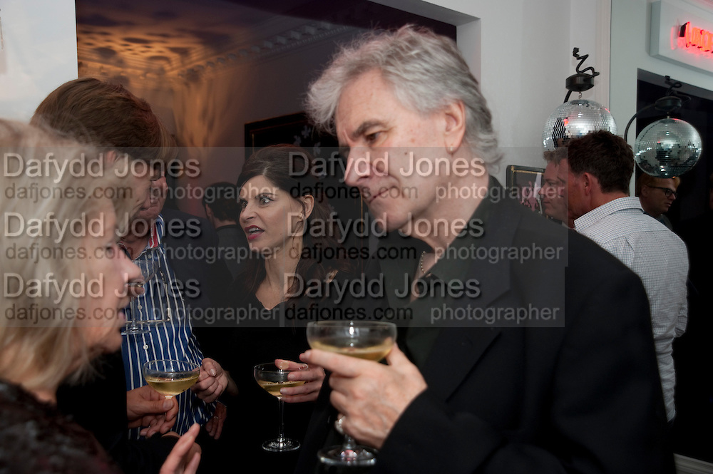 JUSTINE GLENTON; LYALL WATSON, Party at the home of Amanda Eliasch in Chelsea after the opening of As I Like it. A memory by Amanda Eliasch and Lyall Watson. Chelsea Theatre. Worl's End. London. 4 July 2010<br /> <br />  , -DO NOT ARCHIVE-© Copyright Photograph by Dafydd Jones. 248 Clapham Rd. London SW9 0PZ. Tel 0207 820 0771. www.dafjones.com.