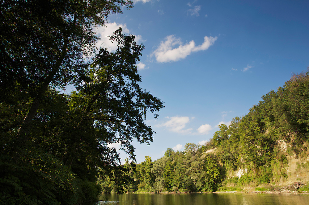 Cliffs of the river Allier, 4 km upstream of Pont-du-Chateau, Auvergne, France.