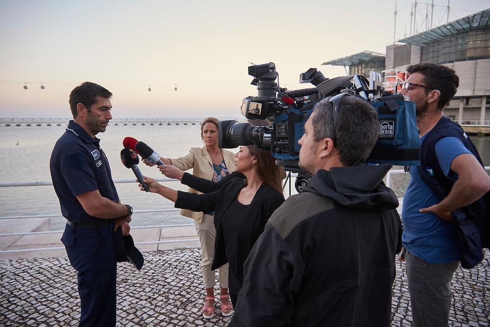 Lisboa, 22/06/2016 - A ambiente ao cair da noite junto &agrave; doca do Ocean&aacute;rio onde durante a tarde um adolescente morreu por afogamento.<br />  (Paulo Alexandrino / Global Imagens)