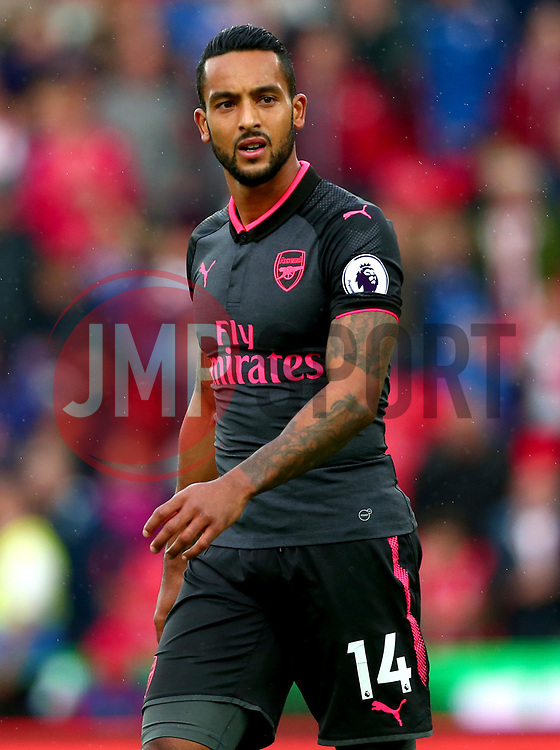 Theo Walcott of Arsenal - Mandatory by-line: Robbie Stephenson/JMP - 19/08/2017 - FOOTBALL - Bet365 Stadium - Stoke-on-Trent, England - Stoke City v Arsenal - Premier League
