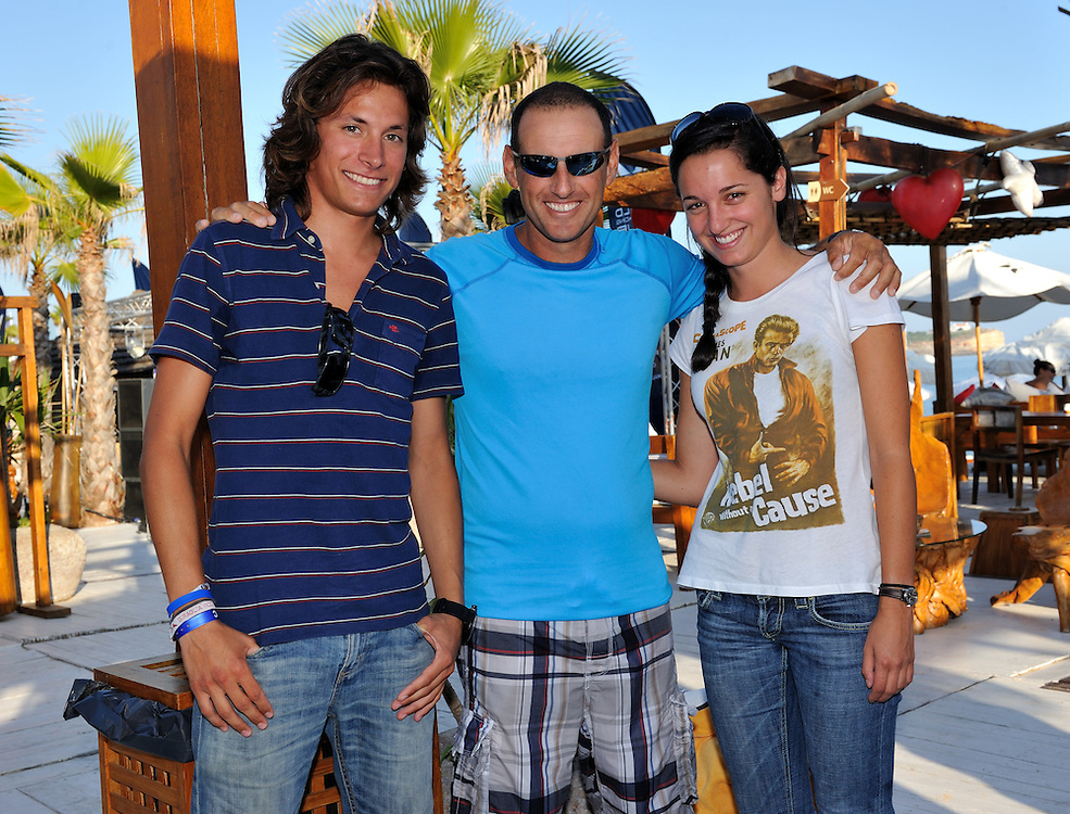 WMRT competition winners Nicolo Zanelli and Bianca Passadore from Italy meet Francesco Bruni. Photo:Chris Davies/WMRT