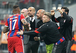 21.04.2015, Allianz Arena, Muenchen, GER, UEFA CL, FC Bayern Muenchen vs FC Porto, im Bild l-r: Torjubel von Jerome Boateng #17 (FC Bayern Muenchen), Chef-Trainer Pep Guardiola (FC Bayern Muenchen), Mitchell Weiser #30 (FC Bayern Muenchen), Claudio Pizzarro #14 (FC Bayern Muenchen) // during the UEFA Semi Final 2nd Leg Match between FC Bayern Munich and FC Porto at the Allianz Arena in Muenchen, Germany on 2015/04/21. EXPA Pictures © 2015, PhotoCredit: EXPA/ Eibner-Pressefoto/ Kolbert<br /> <br /> *****ATTENTION - OUT of GER*****