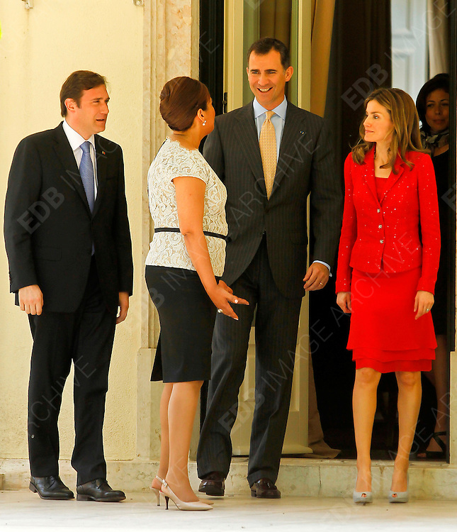 01.JUNE.2012. LISBON<br /> <br /> PRINCESS LETIZIA AND PRINCE FELIPE ATTEND MEETING WITH PORTUGUESE PRIME MINISTER PEDRO PASSOS COELHO AND HIS WIFE LAURA FERREIRA AT SAO BENTO PALACE.<br /> <br /> BYLINE: EDBIMAGEARCHIVE.CO.UK<br /> <br /> *THIS IMAGE IS STRICTLY FOR UK NEWSPAPERS AND MAGAZINES ONLY*<br /> *FOR WORLD WIDE SALES AND WEB USE PLEASE CONTACT EDBIMAGEARCHIVE - 0208 954 5968*