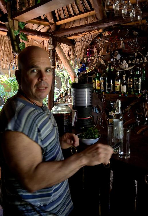 Bar Zorba bi Buda Bar, Casa Blanca, Havana, Cuba.