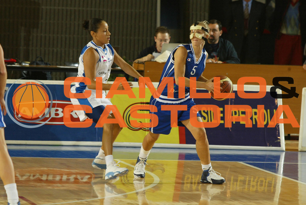 DESCRIZIONE : Taranto Lega A1 Femminile 2005-06 Germano Zama Faenza Banco Di Sicilia Ribera <br /> GIOCATORE : Stabile <br /> SQUADRA : Banco Di Sicilia Ribera <br /> EVENTO : Campionato Lega A1 Femminile  2005-2006 <br /> GARA : Germano Zama Faenza Banco Di Sicilia Ribera <br /> DATA : 01/10/2005 <br /> CATEGORIA : <br /> SPORT : Pallacanestro <br /> AUTORE : Agenzia Ciamillo-Castoria