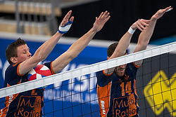 20-01-2019 NED: Talent Team Papendal - Achterhoek Orion, Ede<br /> Round 14 of Eredivisie volleyball. Orion win 3-01 of Talent Team / (L-R) Wessel Anker #2 of Orion, Samuel Shenton #1 of Orion