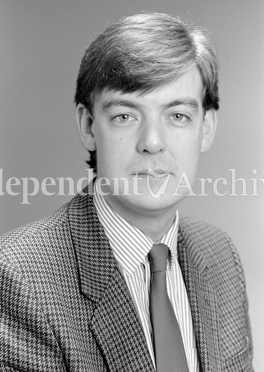 Broadcaster Bryan Dobson in 1987. (Part of the Independent Ireland Newspapers/NLI Collection)