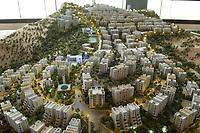 """08 APR 2013, DOHA/QATAR<br /> Modell eines Projekts, dem """"Al-Rawabi Project"""", einer Planstadt, die in im Norden von Ramallah in Palestina  entstehen soll, in den Raeumen der Qatari Diar Real Estate Investment Company<br /> IMAGE: 20130408-01-010<br /> KEYWORDS: Katar, Retortenstadt, Planstadt, Palestine"""