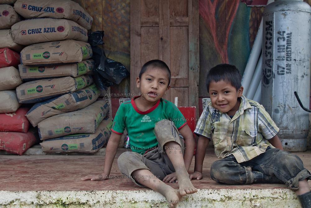 Children of Acteal community, ChiapasBambini della comunità di Acteal