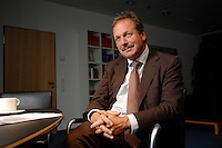 16 NOV 2006, BERLIN/GERMANY:<br /> Frank Bsirske, Vorsitzender der Gewerkschaft ver.di, Vereinte Dienstleistungsgewerkschaft, waehrend einem Interview, in seinem Buero, Ver.di Bundesverwaltung<br /> IMAGE: 20061116-01-050