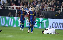 03-03-2007 VOETBAL: SEVILLA FC - BARCELONA: SEVILLA  <br /> Sevilla wint de topper met Barcelona met 2-1 / Giovanni van Bronckhorst - boarding unibet.com<br /> ©2006-WWW.FOTOHOOGENDOORN.NL