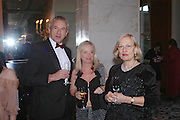 John Lancaster, Sarah Hope-Walker and Jru Bargester. Kensington and Chelsea LEPRA Committee Ball. Savoy. 21 April 2005. ONE TIME USE ONLY - DO NOT ARCHIVE  © Copyright Photograph by Dafydd Jones 66 Stockwell Park Rd. London SW9 0DA Tel 020 7733 0108 www.dafjones.com
