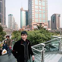 China, Shanghai,7-7-2008.. moderne architectuur.  nieuw Shanghai..Moderne Gebouwen. Nieuwe wijk.