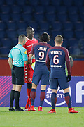 Mamadou SAMASSA (ESTAC TRYOYES) talked with referee and Edinson Roberto Paulo Cavani Gomez (psg) (El Matador) (El Botija) (Florestan) about the penalty given during the French Championship Ligue 1 football match between Paris Saint-Germain and ESTAC Troyes on November 29, 2017 at Parc des Princes stadium in Paris, France - Photo Stephane Allaman / ProSportsImages / DPPI