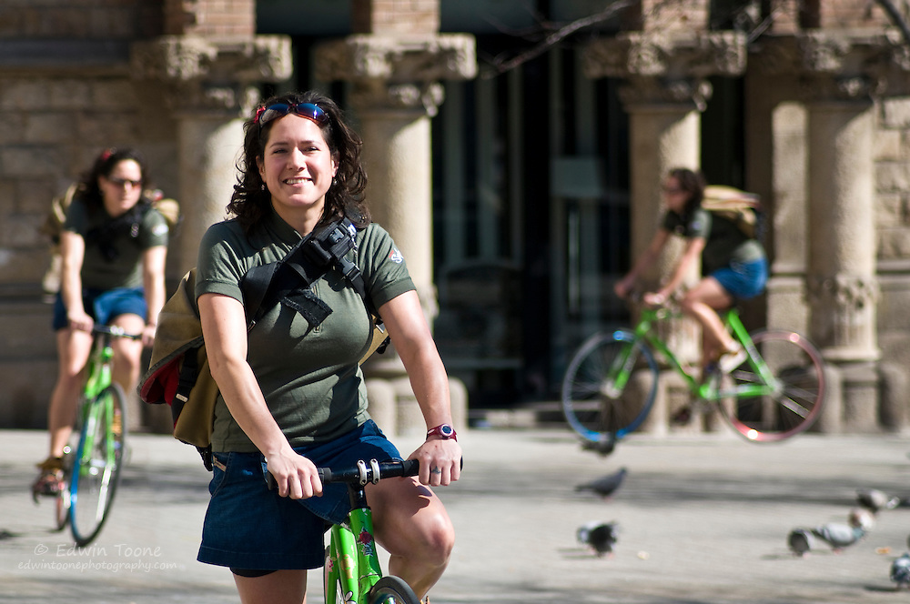 Mahrou has been messengering for since 2001. Now she runs her own bike tour/rental company called Cruising Barcelona. http://www.cruisingbarcelona.com/
