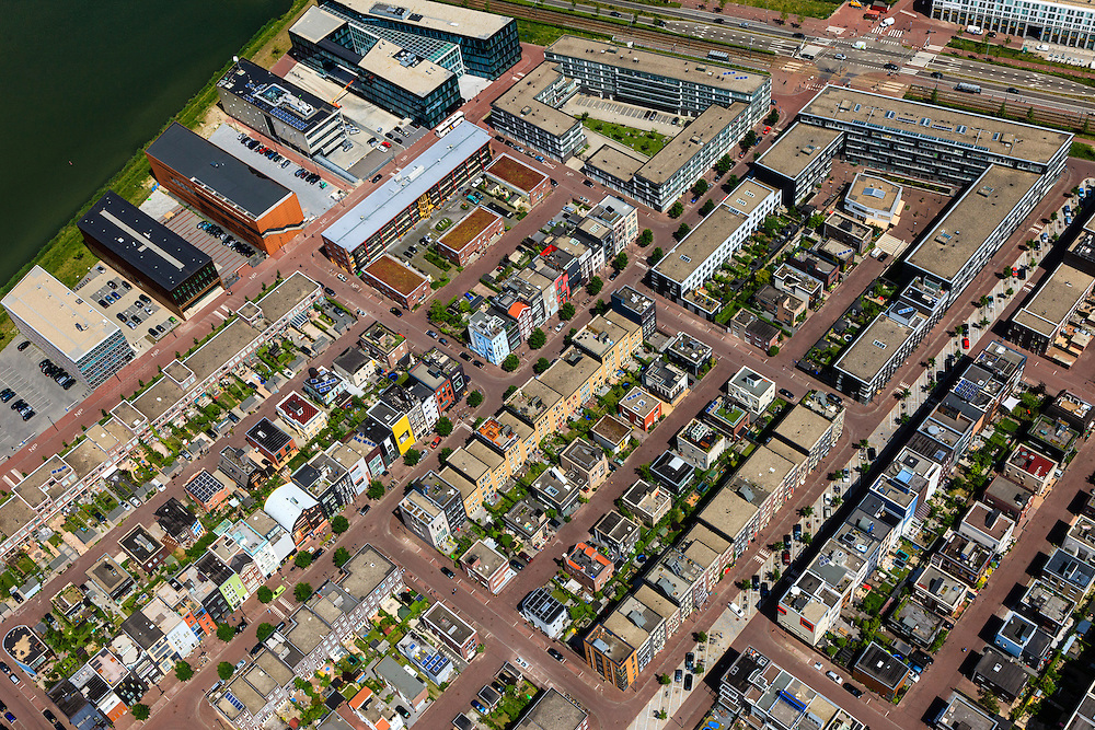 Nederland, Noord-Holland, Amsterdam, 14-06-2012; IJburg, Steigereiland, Zuidbuurt met zelfbouwkavels. .New constructed urban development, residential district IJburg , self built plots..luchtfoto (toeslag), aerial photo (additional fee required).foto/photo Siebe Swart