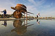 Vietnam images-people-Nghề muối Nghệ An hoàng thế nhiệm