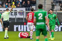 ALKMAAR - 26-02-2017, AZ - PEC Zwolle, AFAS Stadion, 1-1, scheidsrechter Pol van Boekel geeft de gele kaart aan PEC Zwolle speler Danny Holla.