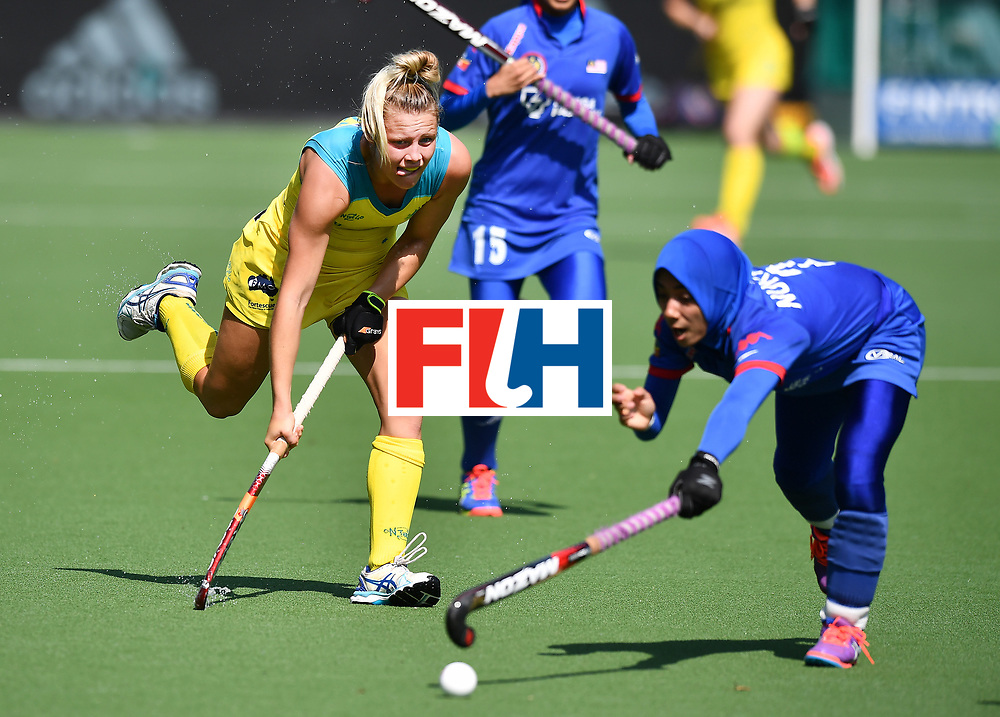 BRUSSELS, BELGIUM - JUNE 21: Madi Ratcliffe (L) of Australia and Nuraini Rashid (R) of Malaysia during the FINTRO Women's Hockey World League Semi-Final Pool B game between Australia and Malaysia on June 21, 2017 in Brussels, Belgium. (Photo by Charles McQuillan/Getty Images for FIH)