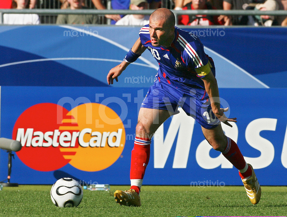Fussball International WM 2006 Vorrunde Frankreich-Schweiz Zinedine Zidane (FRA)