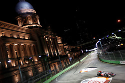Motorsports / Formula 1: World Championship 2010, GP of Singapore, 02 Lewis Hamilton (GBR, Vodafone McLaren Mercedes),  town hall, Rathaus