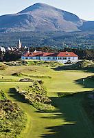 NEWCASTLE NORTHERN IRELAND-  Hole 10 en 11    , ROYAL COUNTY DOWN GC, nr. 3 van de wereldranglijst. .  COPYRIGHT KOEN SUYK