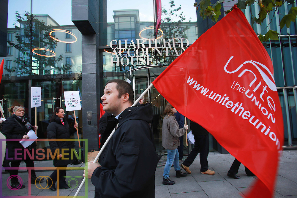 **** NO REPRODUCTION FEE **** 20/11/2012: DUBLIN: UNITE CALLS FOR UNION SUPPORT OVER ACCOUNTANT DISPUTE. Pictured protesting outside Chartered Accountants Ireland, Pearse Street was Oisin O'Kelly, Unite member. Pictured by Lensmen Photo Agency. UNITE CALLS FOR UNION SUPPORT OVER ACCOUNTANT DISPUTE<br />
