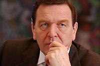 09 JAN 2002, BERLIN/GERMANY:<br /> Gerhard Schroeder, SPD, Bundeskanzler, waehrend einem Interiew, in seinem Buero, Bundeskanzleramt<br /> Gerhard Schroeder, SPD, Federal Chancellor of Germany, during an interview, in his office<br /> IMAGE: 20020109-02-038<br /> KEYWORDS: Gerhard Schröder
