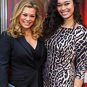 NLD/Amsterdam/20150208 - Herpremiere Sonneveld, Antje Monteiro en dochter Romy Monteiro