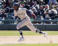 CHICAGO - APRIL 25:  Dee Gordon #9 of the Seattle Mariners runs the bases against the Chicago White Sox on April 25, 2018 at Guaranteed Rate Field in Chicago, Illinois.  (Photo by Ron Vesely)   Subject:   Dee Gordon