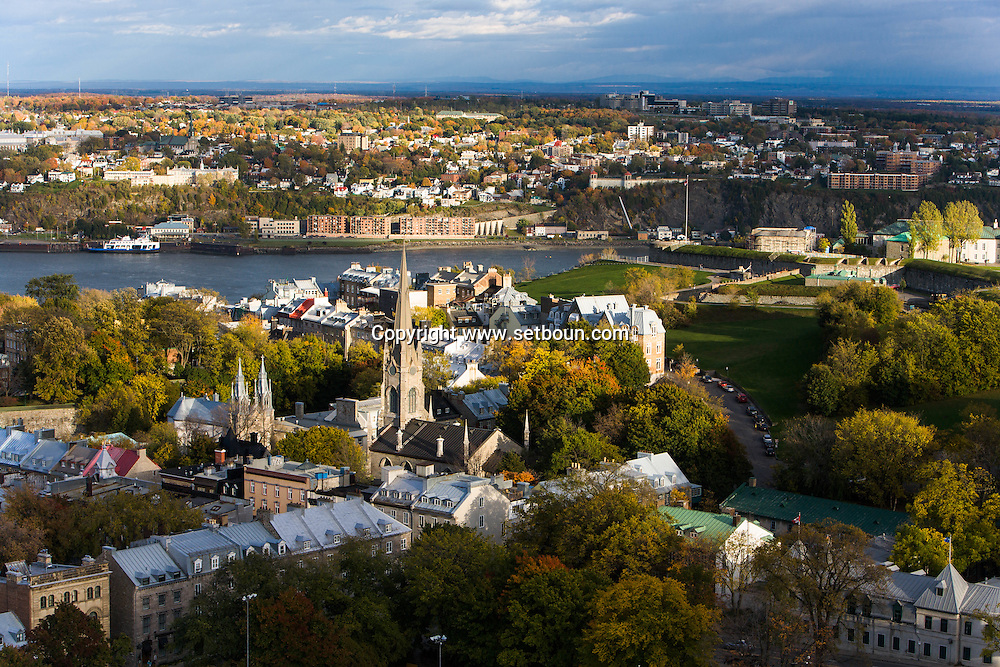 Canada. Quebec. general and aerial view of the city. the old city and the Saint Laurent river. church   / vue generale et aerienne de la ville. la vielle ville et le fleuve Saint Laurent. eglise