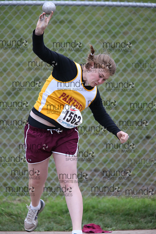 Hailey Wolfgram of Regiopolis-Notre Dame-Kingston competes in the midget girls shot put at the 2013 OFSAA Track and Field Championship in Oshawa Ontario, Thursday,  June 6, 2013.<br /> Mundo Sport Images / Sean Burges