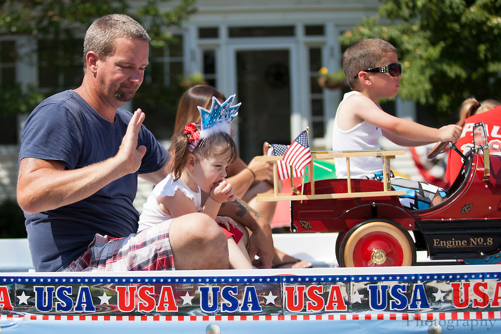 Pitman 4th of July Parade down Broadway in Pitman NJ on Wednesday July 4, 2012. (photo / Mat Boyle)