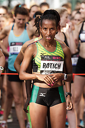NYRR Oakley Mini 10K for Women: Caroline Rotich, Kenya, Mizuno
