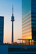 Fernsehturm, Donau City, Wien, Österreich .|.television tower, Donau City, Vienna, Austria..
