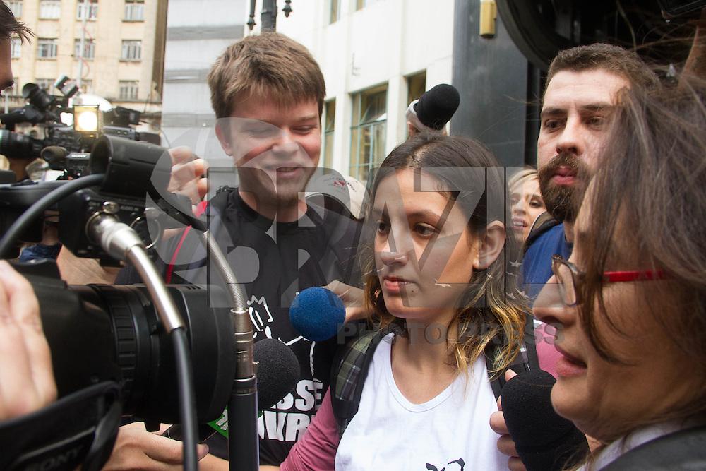 SAO PAULO 17 DE JUNHO DE 2013  - Lideres do Movimento Passe Livre (MPL),Maira Vivian e Matheus se reuniram com secretariod a segurança publica para discutir sobre a mnainfestação desta noite na manhã desta segunda-feira(17) na região central. (Foto: Amauri Nehn/Brazil Photo Press)