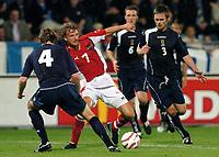 Fotball<br /> Landskamp 17.08.2005<br /> Østerrike v Skottland<br /> Foto: Gepa/Digitalsport<br /> NORWAY ONLY<br /> <br /> Steven Pressley (SCO), Markus Schopp (AUT), Andy Webster, Graham Alexander (SCO).