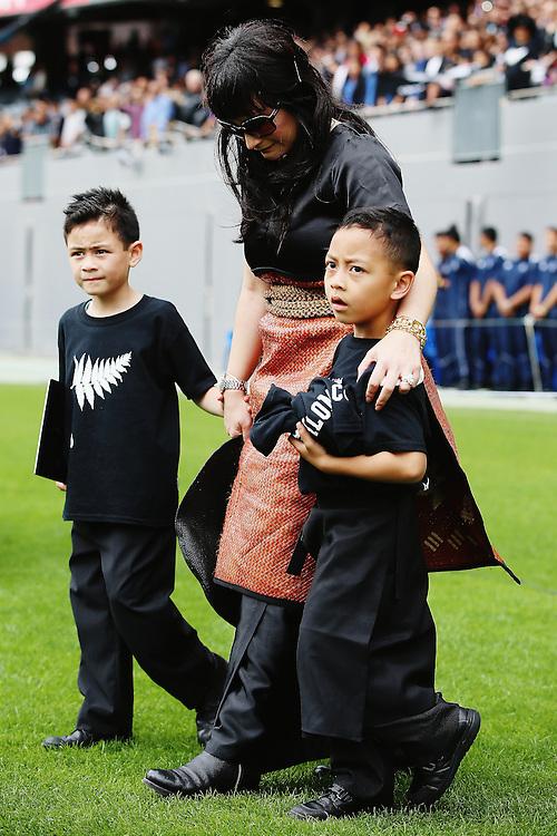 Widow of Jonah Lomu, Nadene Lomu walks with her two sons Brayley Lomu and Dhyreille Lomu at  the Remembering former All Black Jonah Memorial Service, Eden Park,, Auckland New Zealand, Monday, November 30, 2015. Credit:SNPA / Getty, Hannah Peters **POOL**
