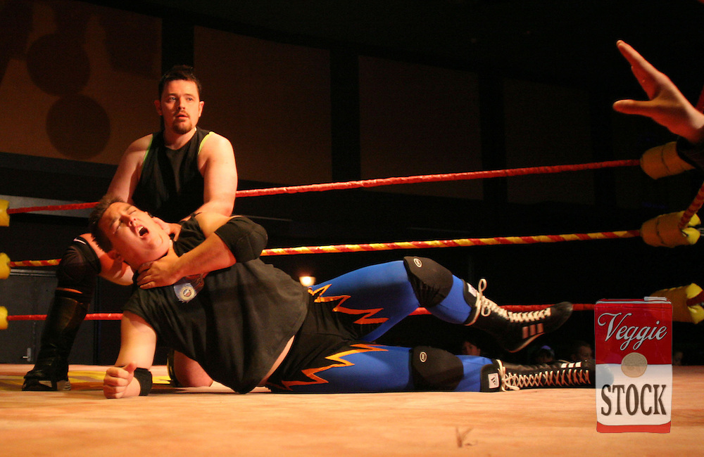 Ultimate Wrestling Alliance wrestlers in action at the Seven Hills / Toongabbie RSL in Sydney, May 28, 2006.