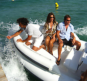 Cindy Crawford in St Tropez 08/01/2007