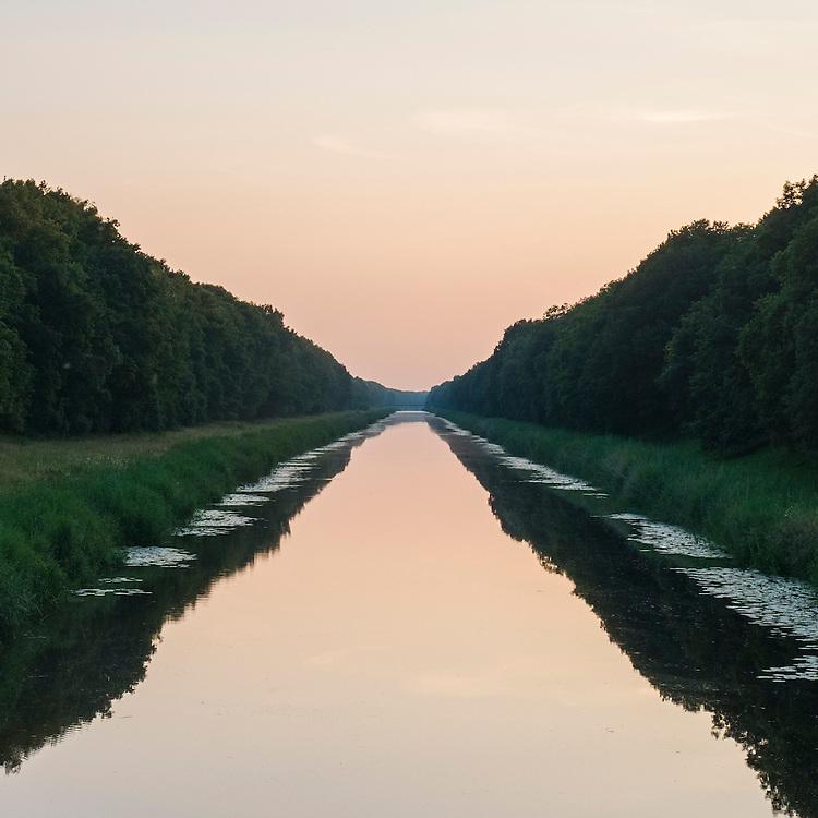 Nederland, Drunen, 14 juli  2013<br /> Afwateringskanaal 'sHertogenbosch-Drongelen<br /> <br /> Foto(c): Michiel Wijnbergh
