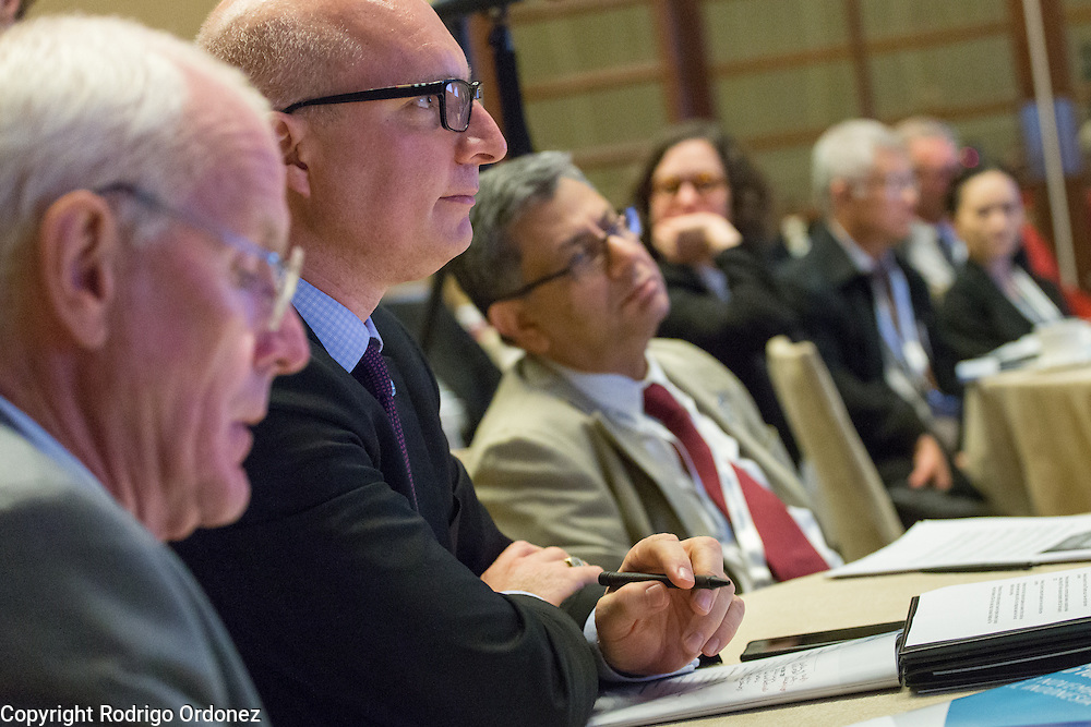 Executives of The Union and the World Diabetes Foundation listen to panelists at the global summit on diabetes and tuberculosis in Bali, Indonesia, on November 2, 2015.<br /> The increasing interaction of TB and diabetes is projected to become a major public health issue.&nbsp;The summit gathered a hundred public health officials, leading researchers, civil society representatives and business and technology leaders, who committed to take action to stop this double threat. (Photo: Rodrigo Ordonez for The Union)